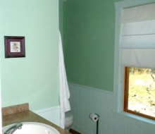 Lacadie-Cottage-bathroom-2b